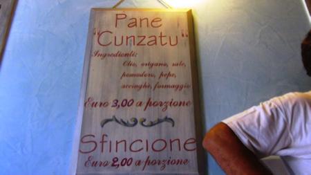 Il pane cunzatu - cibo di strada Palermo 3
