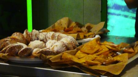 Il pane cunzatu - cibo di strada Palermo 6