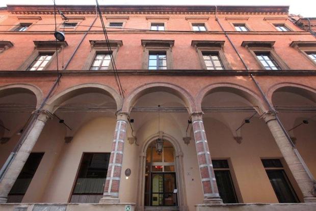 2 spec Bologna-6-Palazzo Fava 1