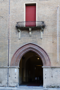 2 spec Bologna-8-Palazzo Pepoli 1