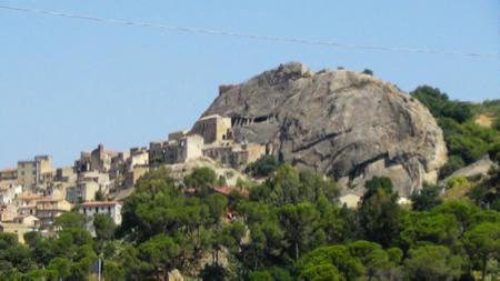 sperlinga un castello nella roccia 1