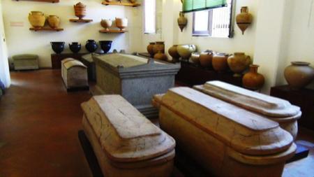 spec Lipari-4-museo archeologico Eoliano 15