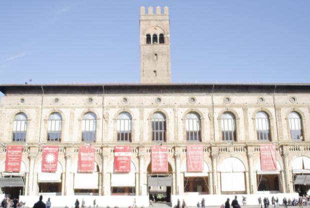piazza Maggiore cuore di bologna 5