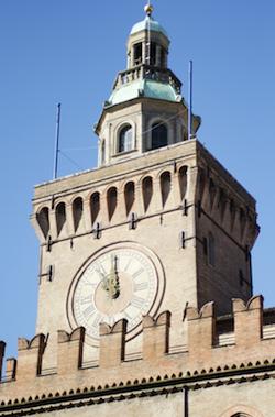 piazza Maggiore cuore di bologna 9