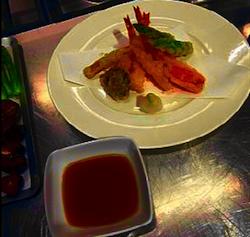 manzo marinato e tempura di gamberi 1