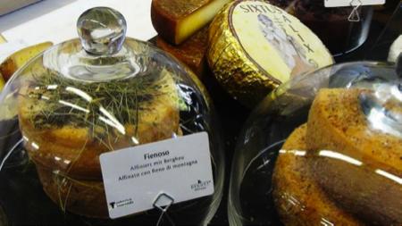 Hansi Baumgartner affinatore formaggi alto adige 3