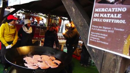 salsicce giganti mercatini natale 1