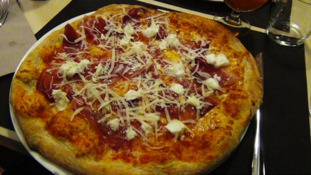 pizza diversa Tredici8 a Varese 8
