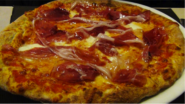 pizza diversa Tredici8 a Varese 9