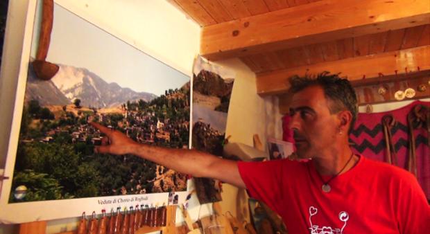 intaglio legno grecanico ghorio roghudi 3