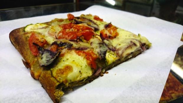 pizza alla cannabis a urbino 1