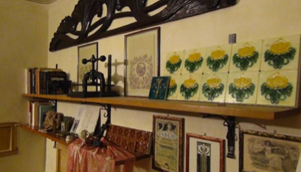 La casa museo liberty di chiaramonte gulfi ragusa for Mobili liberty siciliano