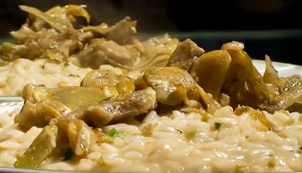 Ricetta del risotto ai carciofi con gremolata di olive e mascarpa
