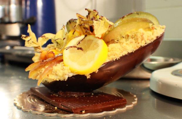 La ricetta dell'Uovo di cioccolato ripieno di pastiera napoletana