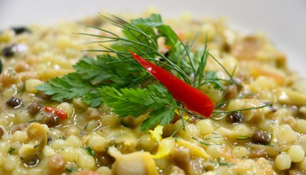 Fregola con vongole e finocchietto selvatico, ricetta della Sardegna