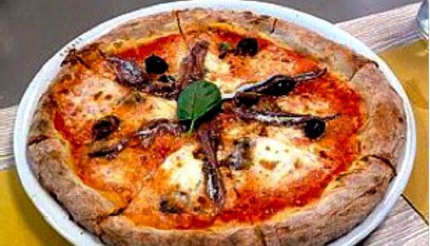 La Napoletana di Gino Sorbillo: pizza a Nastro anche a Milano