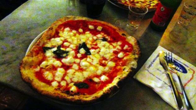 Gino Sorbillo, a Napoli il futuro della pizza ha un cuore antico