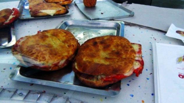 Il Panino dell'Ufficiale, arma segreta dello street food di Trapani