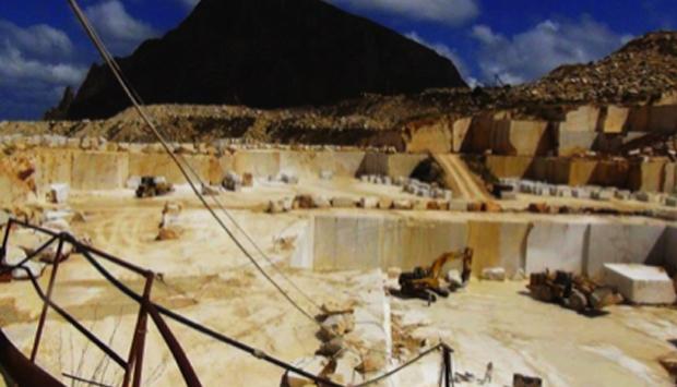 L'abbagliante spettacolo delle cave di marmo di Custonaci (Trapani)