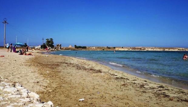 Spiaggia di Marina di Priolo (SR), la bellezza a un passo dall'orrore