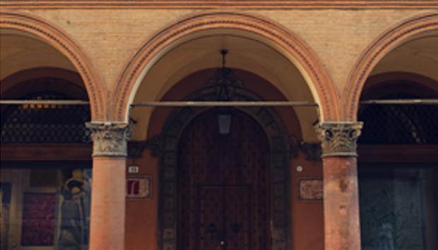 Casa Saraceni, architettura rinascimentale a Bologna