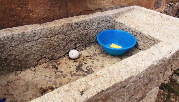 La pila in pietra, tipico lavabo siciliano