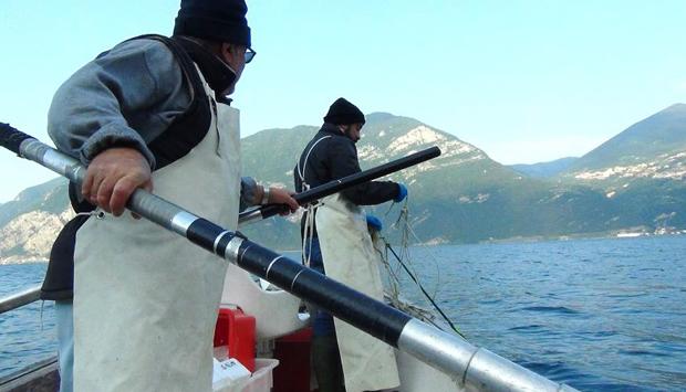 L'epica dei pescatori del Lago d'Iseo: in barca con i Soardi