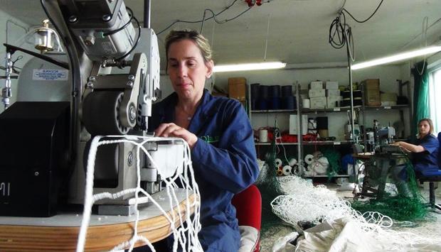 Come si lavorano le reti a Monte Isola, sul Lago d'Iseo