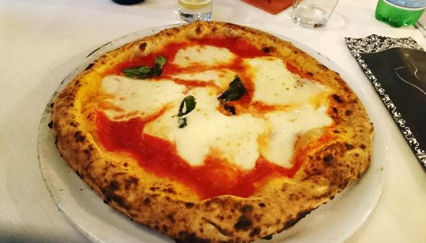 Pizzeria del Lido Faro Blu, napoletana verace a Sellia Marina (CZ)