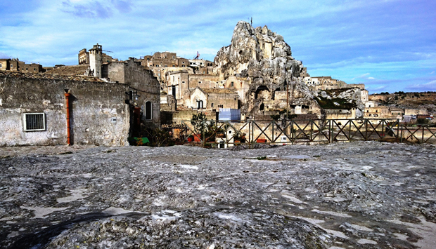 Matera da scoprire: la necropoli medievale e i sotterranei inaccessibili