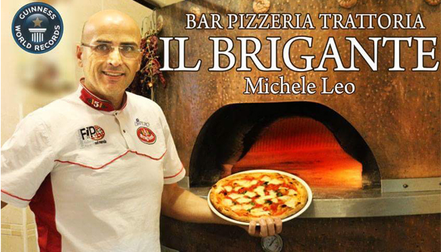 Come lavora la pizza il campione Michele Leo al Brigante di Venosa (PZ)