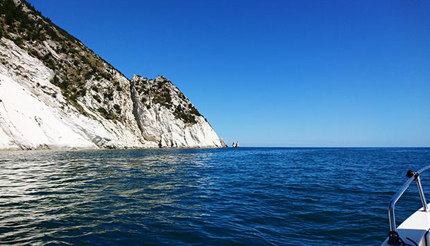 Funboat Conero, escursione in barca nella più bella costa delle Marche