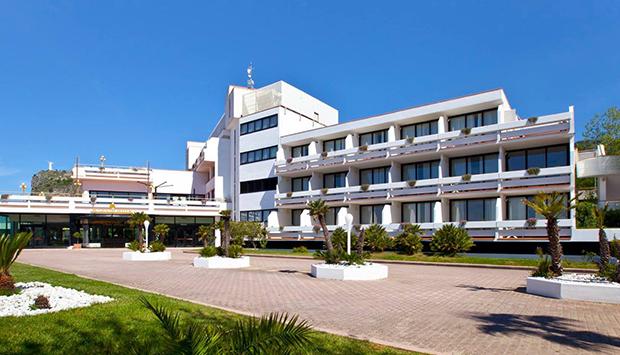 Grand Hotel Pianeta Maratea Resort, una città del relax